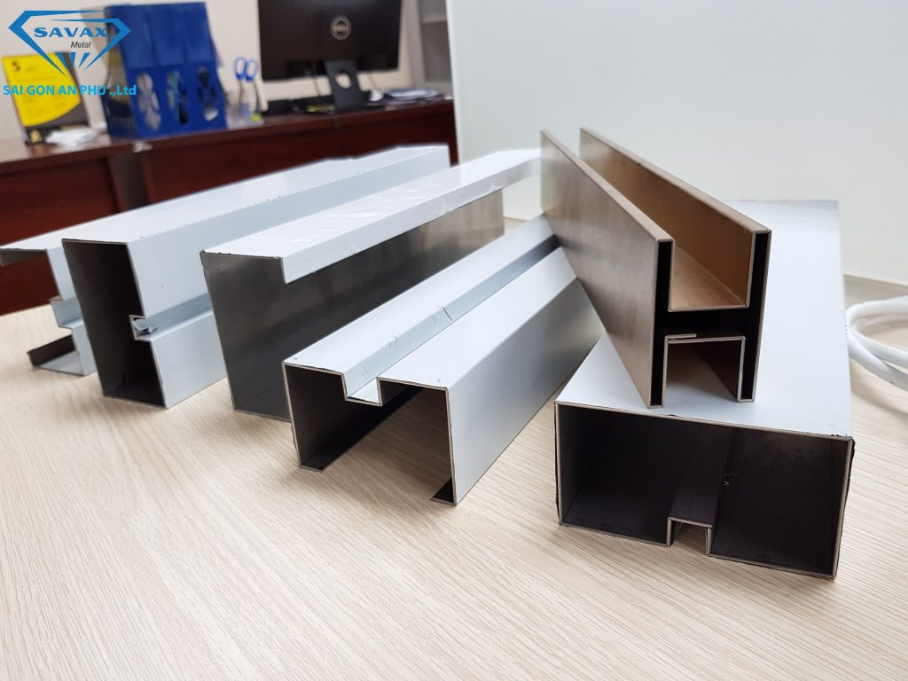 Sản phẩm từ bào rãnh V CNC