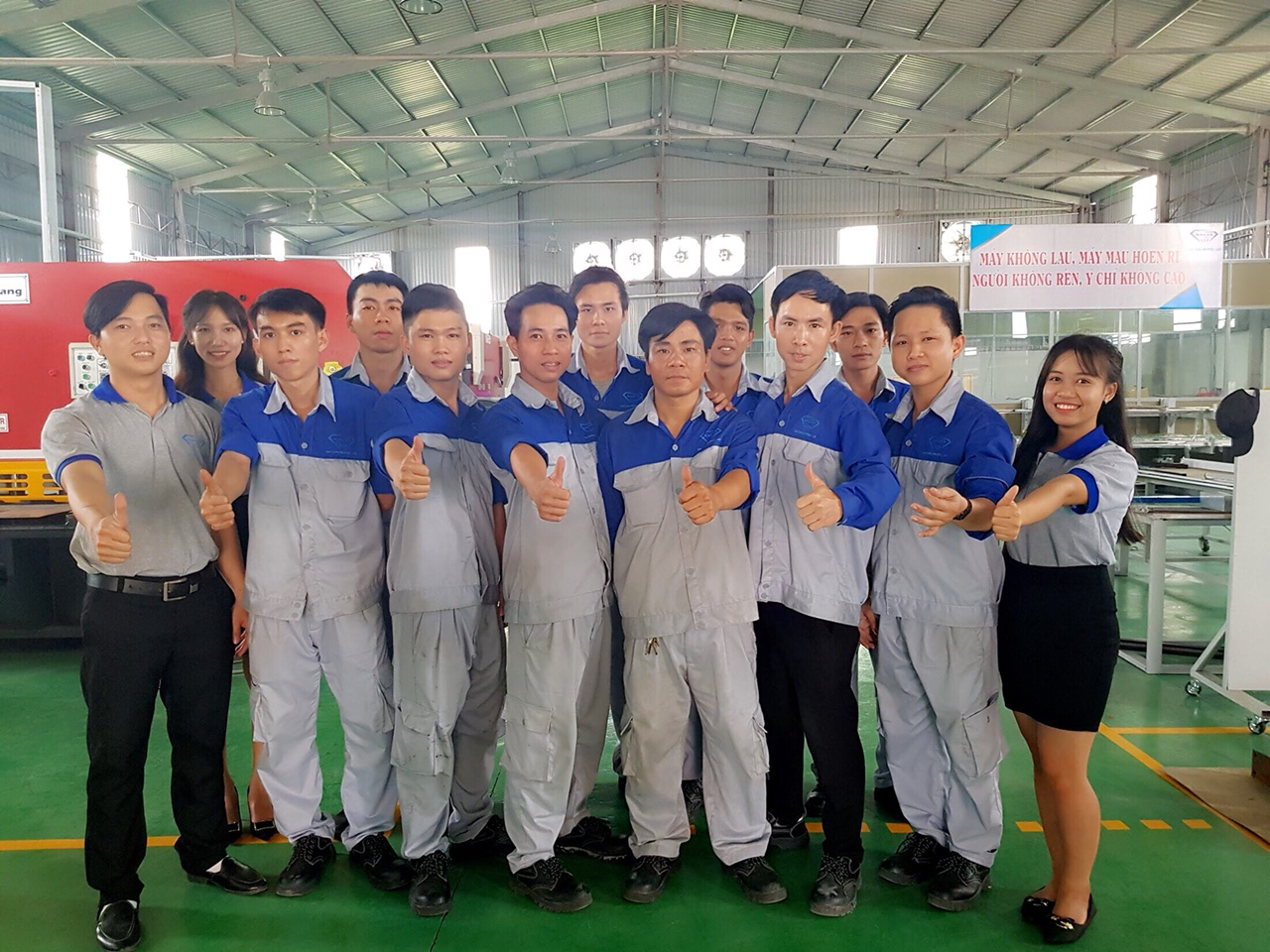 Đội ngũ thi công tại Savax Metal