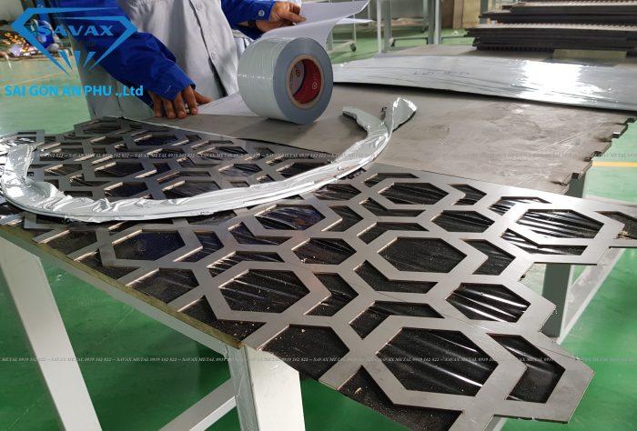 Đơn vị gia vông vách ngăn CNC cầu thang Inox Vạn Xuân