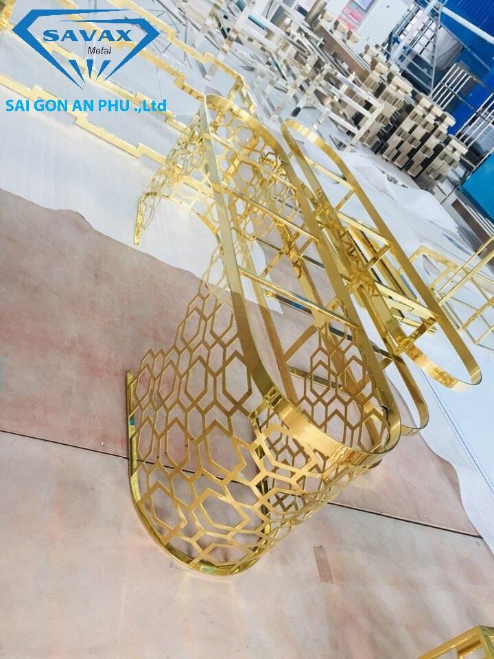 Mẫu bàn sofa inox mạ vàng