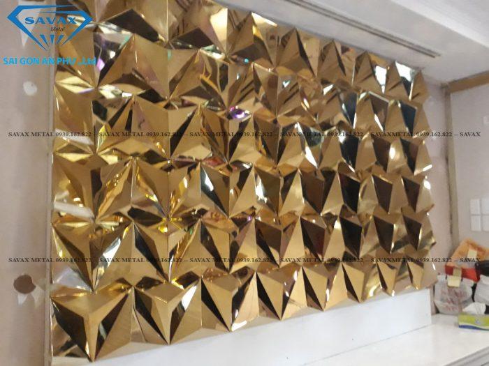 Ốp tường bằng inox vàng gương sáng bóng