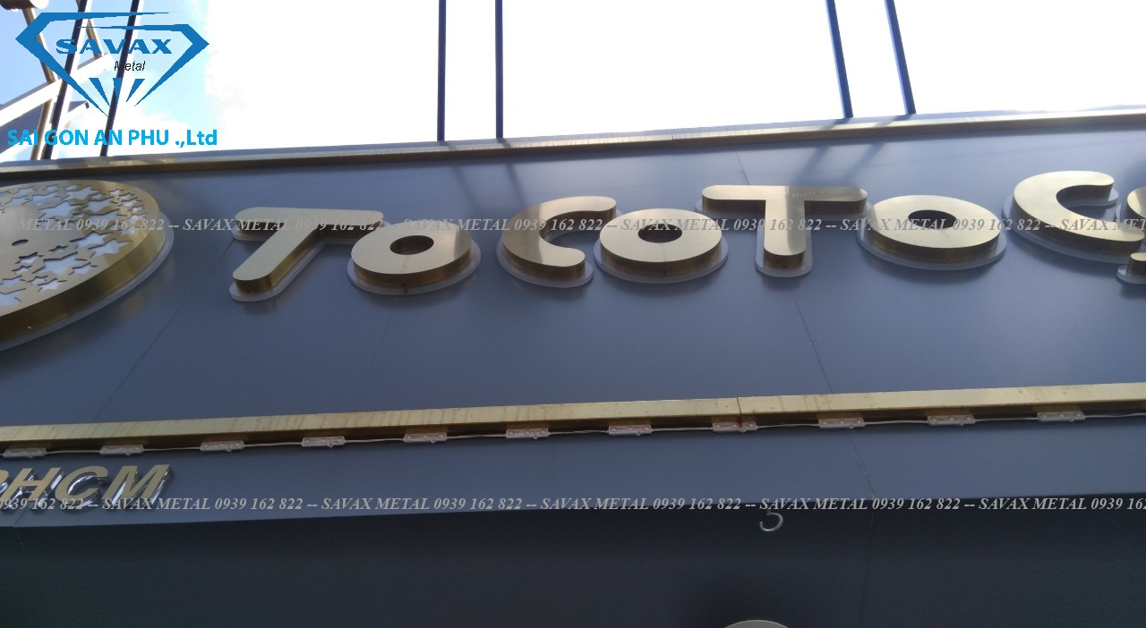 Mẫu bảng hiệu trà cho quán trà sữa Toco Toco vừa hoàn thiện