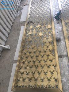 Vách ngăn CNC inox đẹp vừa hoàn thiện