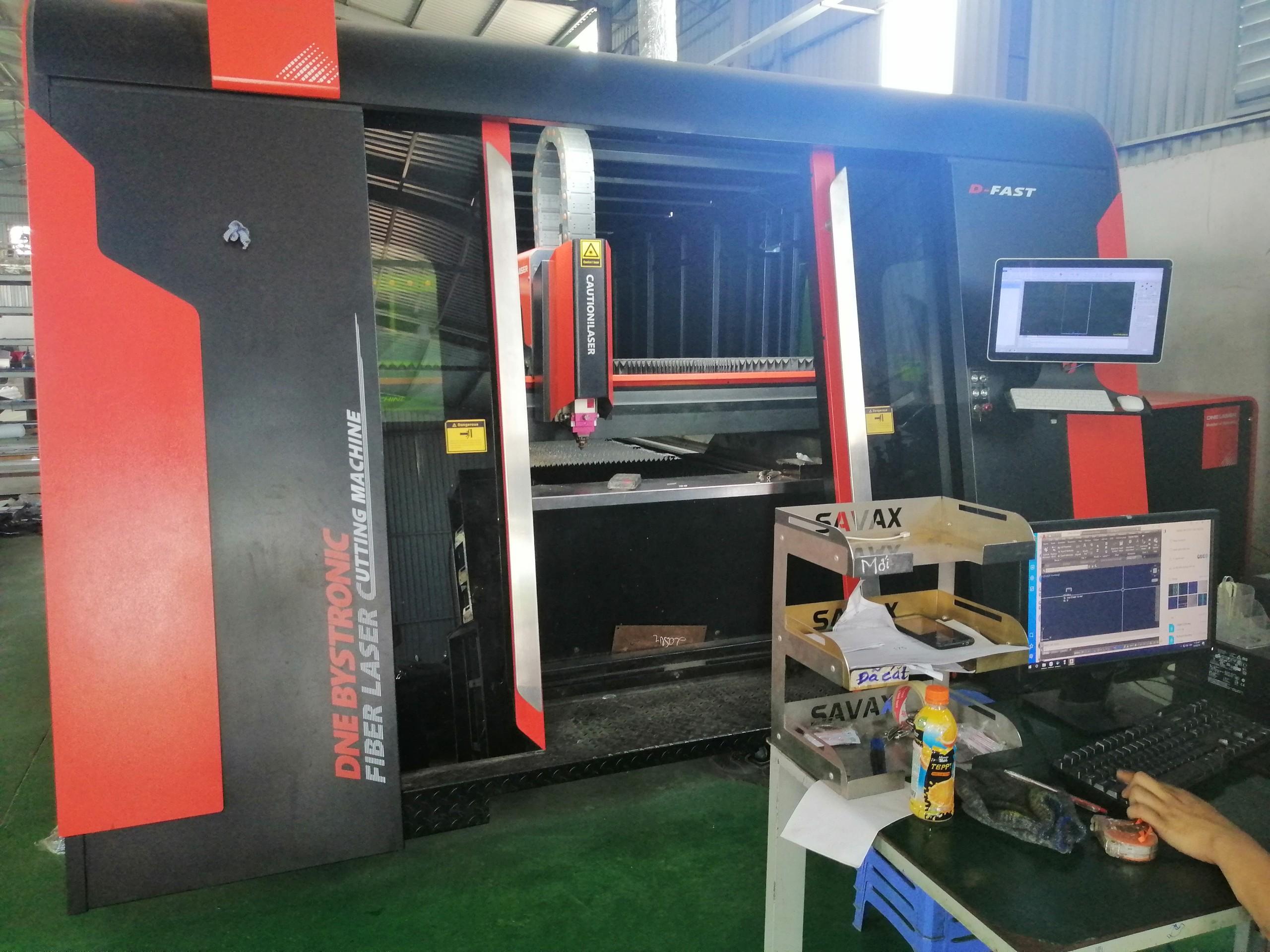 Hệ thống điều khiển của máy cắt laser