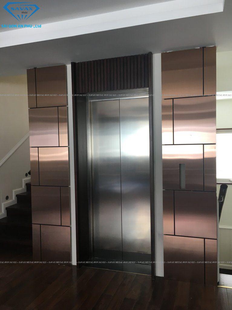 Bao che thang máy vừa được Vạn Xuân thi công